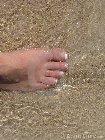 Stepping into the ocean s water