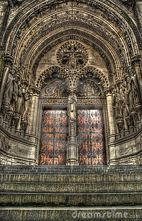 Free Steps To A Set Of Gothic Church Doors. Stock Images - 21470134