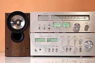 Stereo amplifier, radio tuner, loudspeakers