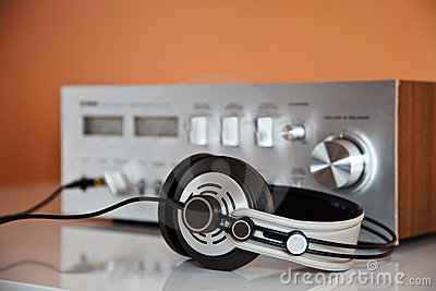Stereo Headphones with Amplifier