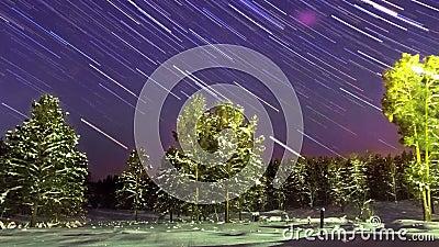 Sternbewegung wird durch Earths Umdrehung und lange Berührung der Kamera verursacht Panorama Timelapse stock video footage