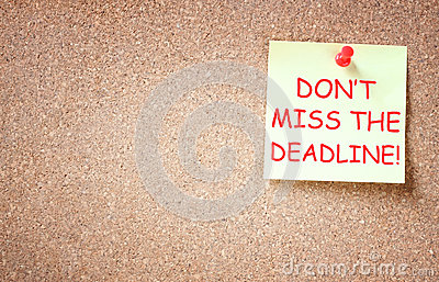 Sticky note with the phrase dont miss the deadline