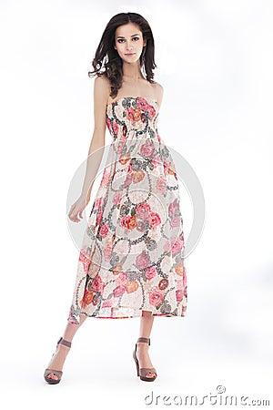 Stilfull posera stil för elegancykvinnlig