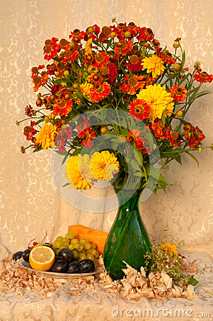 Free Still Life Bouquet Stock Photos - 33204023