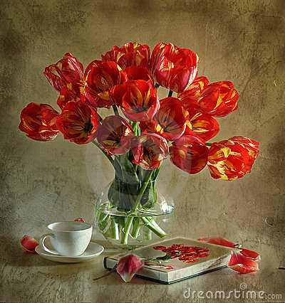Free Still Life With Tulips Stock Photo - 15439380