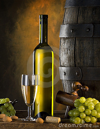 Free Still Life With Wine Royalty Free Stock Photography - 8234137
