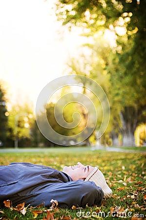 Stillstehen im Park