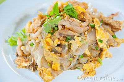 Stir fried noodles with egg, pork, vetgetables