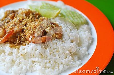 Stir-fried Shrimp with Garlic