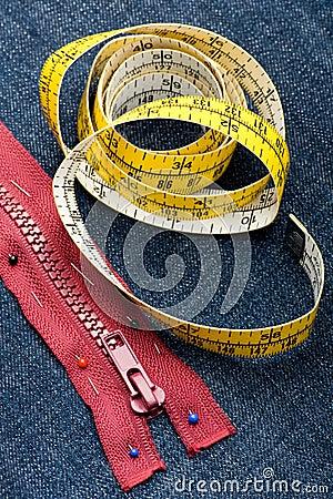 Stitch zipper on jeans