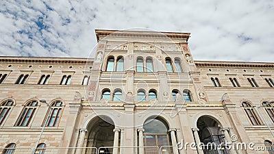 Stoccolma, Svezia, luglio 2018: La costruzione del museo nazionale della Svezia ? museo del ` s della Svezia pi? grande delle bel stock footage