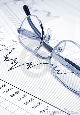 Free Stock Chart And Eyeglasses Royalty Free Stock Photography - 2289497