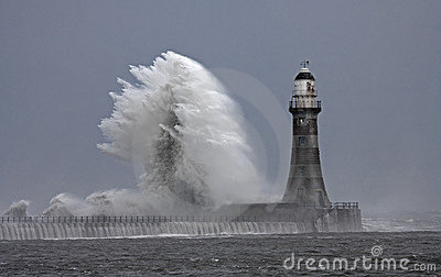 Stomy weather at Roker Lighthouse