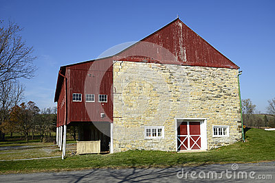 Stone barn in rural Pennsylvania