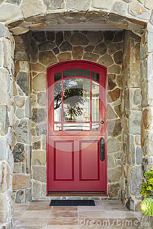 Free Stone House And Red Front Door Stock Photos - 39176373