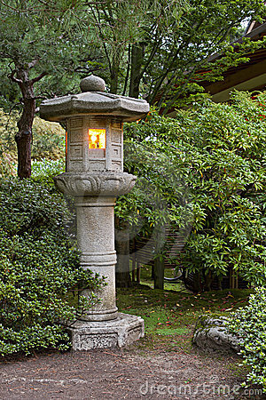 Free Stone Lantern At Japanese Garden 2 Stock Photography - 16376992