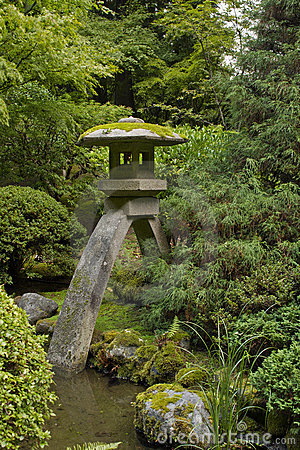 Free Stone Lantern At Japanese Garden 4 Royalty Free Stock Photo - 16390195