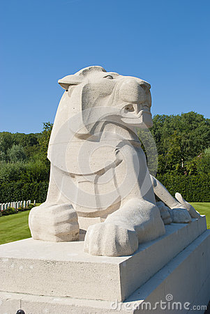 Free Stone Lion Statue Royalty Free Stock Photography - 27454817