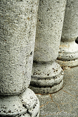 Free Stone Pillars Royalty Free Stock Photos - 652078