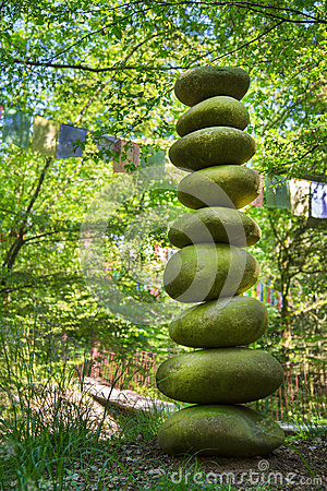 Free Stone Pyramid Of Pebbles - Concept For Life, Power, Energy, Zen Stock Photo - 40846650