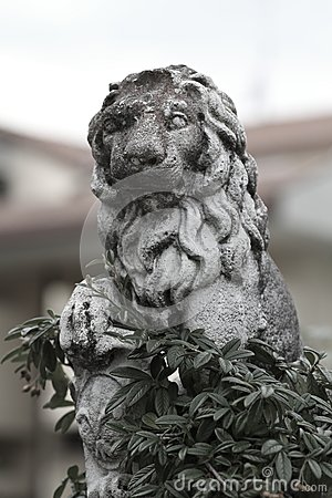 Free Stone Sculpture Of A Lion Royalty Free Stock Photos - 33801168