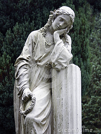 Stone Statue Grieving Woman Royalty Free Stock Images