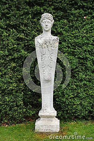 Free Stone Statue, Mottisfont Abbey, Hampshire, England. Stock Image - 71328351