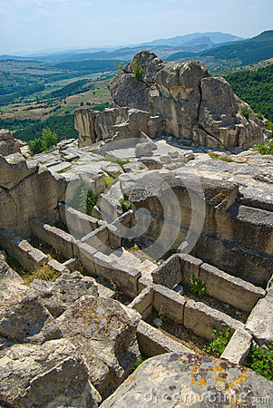 Free Stone Tombs.The Ancient Thracian City Of Perperikon Stock Photo - 43607170