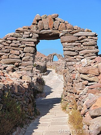 Stoned arch