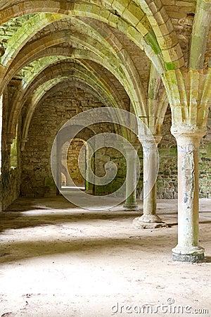 Stonework аббатства старый