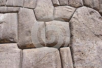 Stonework fino em paredes da fortaleza do Inca