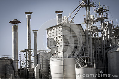 Storage refinery, pipelines and towers, heavy industry overview