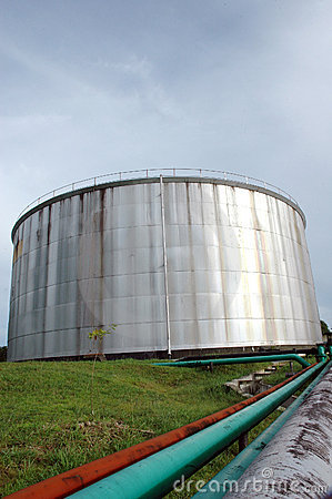 Storage tank of crude oil