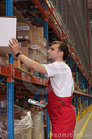 Free Storeroom Worker Royalty Free Stock Photo - 5716325