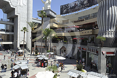 Stores and restaurants in Kodak Theater Editorial Photography