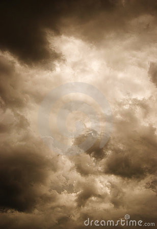 Free Storm Clouds Royalty Free Stock Photography - 16325207