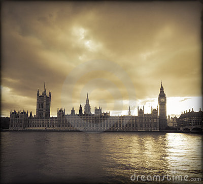 Free Storm Clouds Over London Royalty Free Stock Photography - 11056907