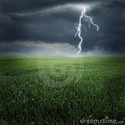 Free Storm On The Field II Royalty Free Stock Images - 18779069