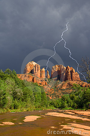 Free Storm Over Cathedral Rock Royalty Free Stock Photography - 3345477