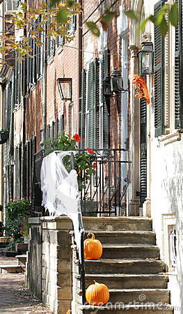 Straat in Alexandrië, Virginia op Halloween