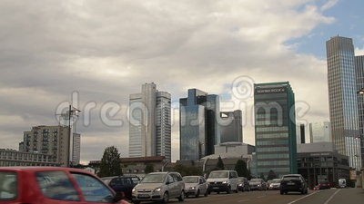 Straatscène in Frankfurt-am-Main stock footage