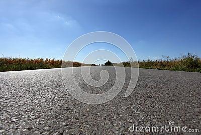 Strada diritta lunga