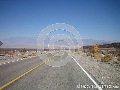 Strada principale lunga
