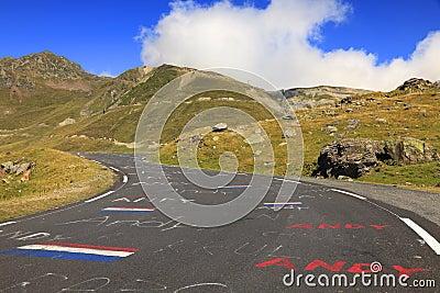 Straße zu Col du Tourmalet Redaktionelles Stockfotografie