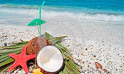 Straw, coconuts and starfish