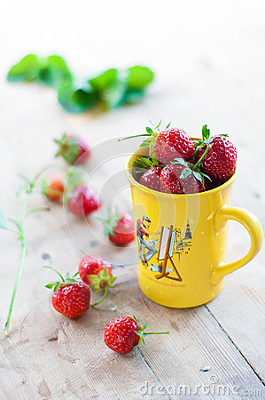 Free Strawberries Royalty Free Stock Images - 42132139