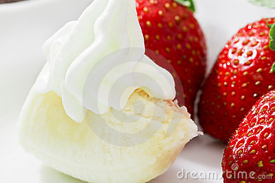 Strawberries, Banana And Cream Royalty Free Stock Photo - Image: 19317815