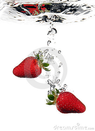Free Strawberries In Water Stock Image - 2191271