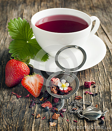 Free Strawberry Balsamico Herbal Tea Stock Images - 41696434