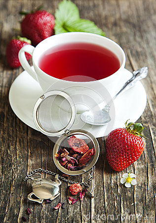 Free Strawberry Balsamico Herbal Tea Royalty Free Stock Photography - 41696967